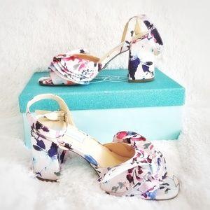 {NIB} Betsey Johnson | Ruffle Flower Sandals